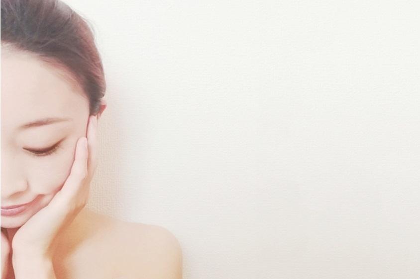 ビタミンC誘導体化粧水をよりよく使う女性
